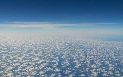 Über den Wolken – Fliegen mit Kindern unter 2 Jahren